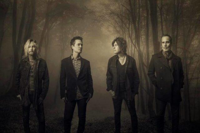 """Dead & Bloated"", Stone Temple Pilots"