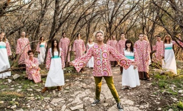 """""""We Hope It Finds Well"""", The Polyphonic Spree"""
