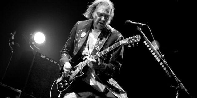 """""""Neil Young Archives"""" com acesso liberado até o fim de 2020"""